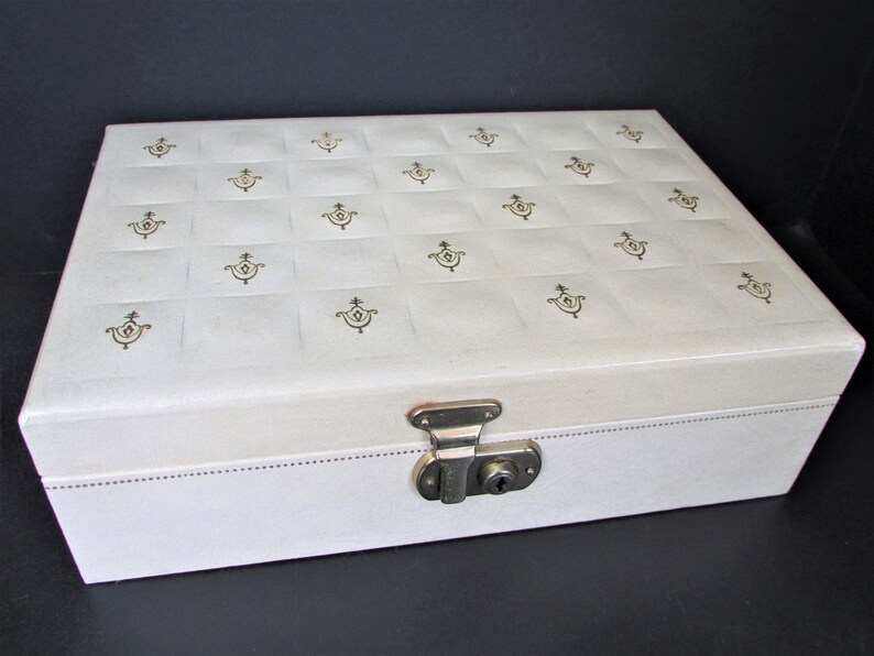 Keepsake box with tray Gold Stars Jewellery Vintage Ivory Bond st Jewelry Box 1960/'s Faux Embossed Leather Red Velvet interior