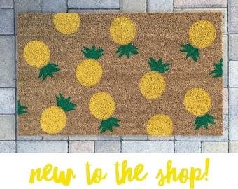 Pineapple Doormat / Summer Doormat / Personalized Door Mat / Custom Doormat / Housewarming Doormat / Newlywed Doormat / Cute Doormat