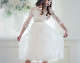 White Flower girl dress, flower girl dresses. white lace rustic flower girl dress, communion dress, country lace dress, white girls dress
