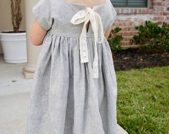 Pretty Handmade Linen Toddler Dress, little girl dress, linen dress, dress with pockets