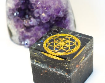 Seed of life Onyx Cube Shaped Orgone - Holo effect - Sacred geometry within sacred geometry