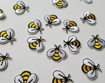 Little Bees/ Iron On Patch/ Decoration appliqué/ Size 1 1/8 inch 3 cm/ Set of 1 up to 20