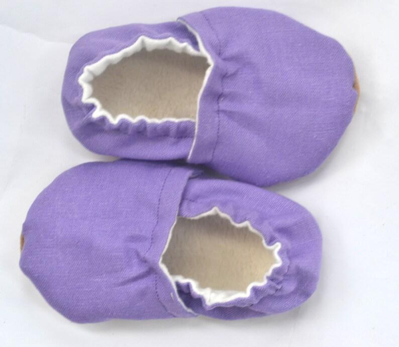 f0c4370dbed55 Violet lin violet chaussons bébé chaussons bébé douche cadeau