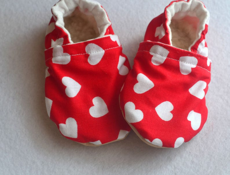 f46bcff575004 heart baby shoes red baby shoes heart booties baby girl shoes hearts baby  booties red heart slippers rubber sole booties red white shoes