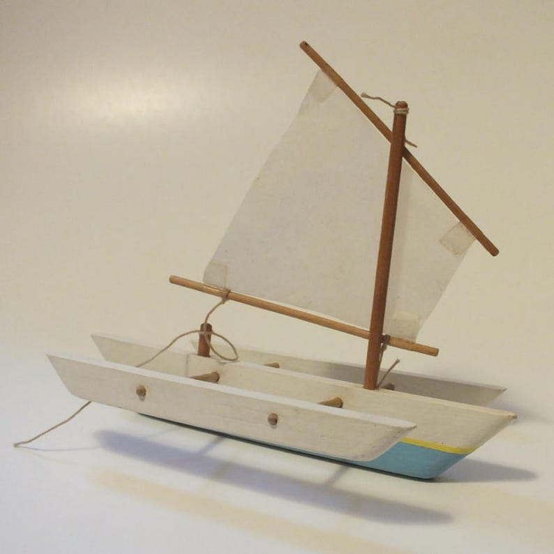 "5"" Trimaran Sea Flea Model Sailboat, Toy Boat Sailing Kit - Handmade in the  USA by Seaworthy Small Ships - REALLY SAILS"