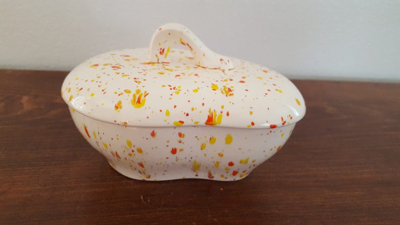 Holland Mold Covered Dish