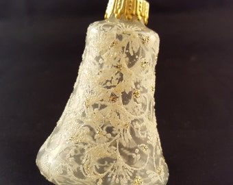 Delicate Glass White Christmas Ornament