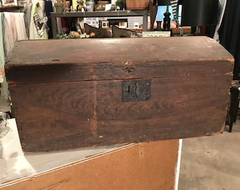 Vintage wood trunk with dome top light wood