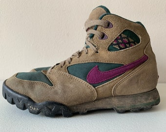 the latest 98cdb 73707 Nike Caldera Indian Blanket ACG 90s 1994 8.5 Brown Green Magenta Hiking  Boots