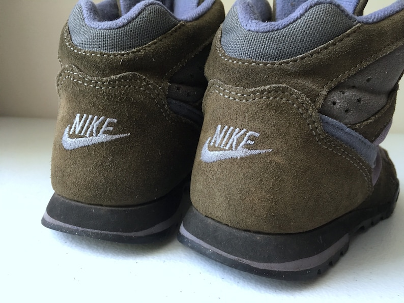 5f669cb579937 Nike Caldera Hiking Boots Shoes Brown Blue Pink size 7.5