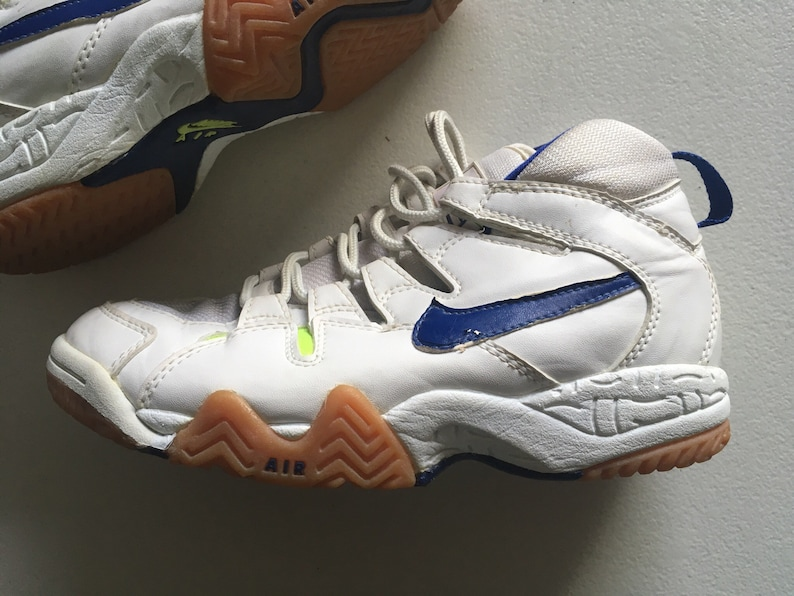 hot sale online 4e956 e740b Nike Air Bohemian Lite Volleyball Shoes White Blue Neon Gree