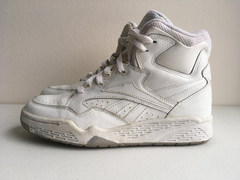 5ce92a92407 Reebok BB4600 Hi Top Basketball Shoes 1980s size 7.5 White and