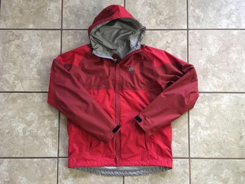 02c6d7eb55f Nike ACG Red and Maroon Outer Layer Jacket Size Small
