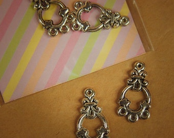 Ring Pendant Charms ~2 pieces #100307