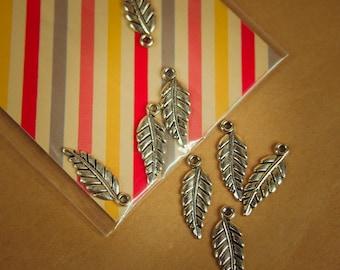 Leaf Pendant Charms ~4 pieces #100298