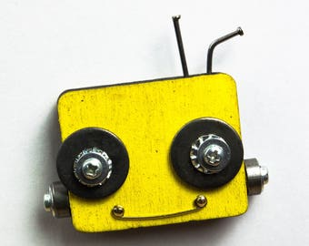 Yellow robot magnet with bolts and screws, up-cycled, steampunk, recycle, fridge, home