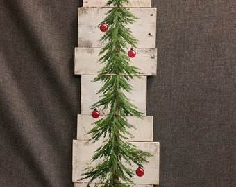 Christmas tree sign, farmhouse decor, Christmas decoration,  white washed, red bulbs, 3 foot Pine tree Reclaimed Pallet Art, winter snow