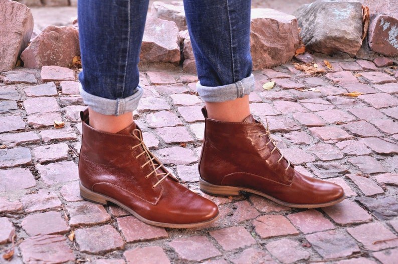 57f18cb0a8946 Burton Womens Fall Boots Lace-up Leather Boots Brogue image ...