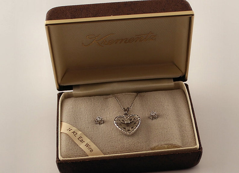 Dainty Heart Necklace and Stud Earrings Jewelry Set Signed Krementz Marvel Jewelry Co.