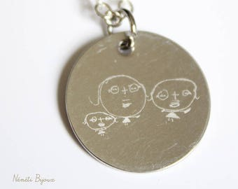 Necklace or sautoir medal engraved with the design of your child - unique custom engraving - your child on a jewelry design