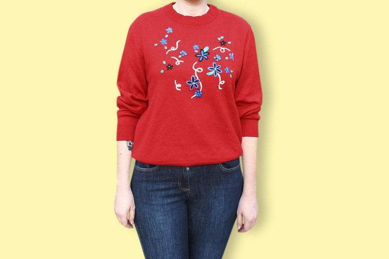 de872f36e 90s Preppy Pullover - Floral Embroideries on Red Grunge Sweater -  Embroidered Flower on Crew Neck Jumper - Hipster Color Block Wool Pullover