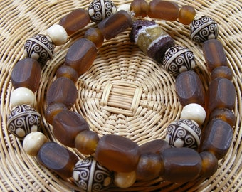 Natural wood beads stretch bracelet with African recycled Glass bead focal