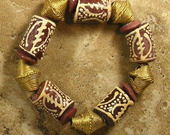 Unisex African bracelet with chunky hand painted brown Krobo beads with brass spacers on stretch cord - AB319