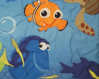 Finding Nemo toddler comforter
