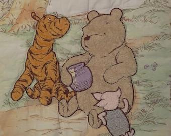 Classic Winnie the Pooh crib comforter