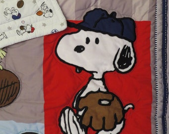Snoopy and Woodstock crib comforter