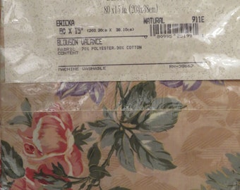 Vintage Floral Erika Blouson valance -New in package