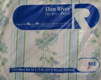 Vintage Dan River Floral double fitted sheet -new in package