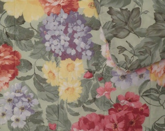Vintage Floral Twin Comforter