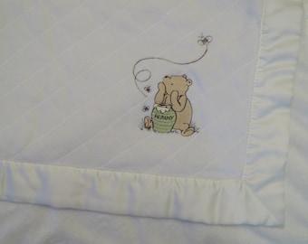Classic Winnie the Pooh small blanket