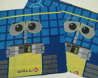 Set of 2 Wall-E standard pillowcases