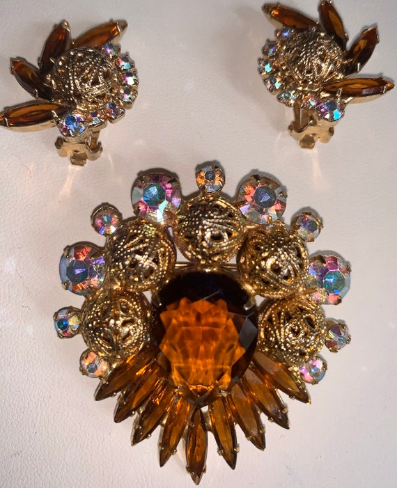 Vintage JULIANA DeLizza /& Elster Pendant Necklace and Matching Clip Earrings  Scroll Setting