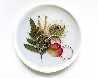 Pressed Wedding Flowers, Ring Dish, Wedding Bouquet Dish, Wedding Memento, Wedding Keepsake, Keepsake Ring Dish, Personalized Wedding Plate