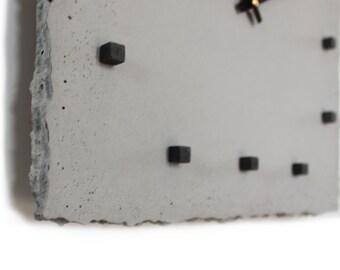 punktclock | wallclock made of concrete