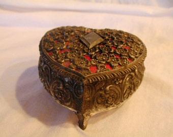 Boîte à bijoux en forme coeur Vintage