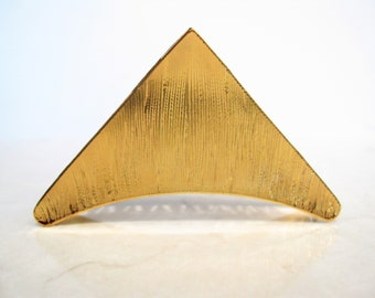 Gold  tone textured metal triangle hair claw clip