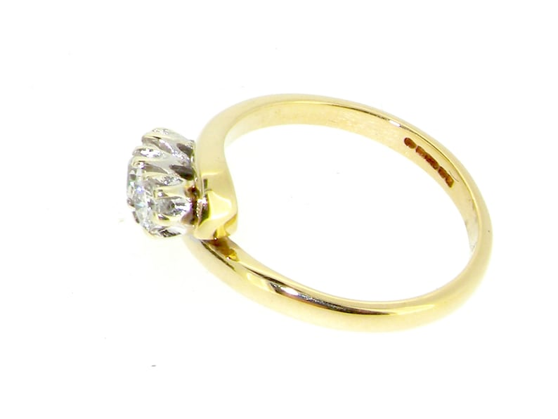9ct yellow gold diamond 3 stone twist ring 0.30ct size I 1988