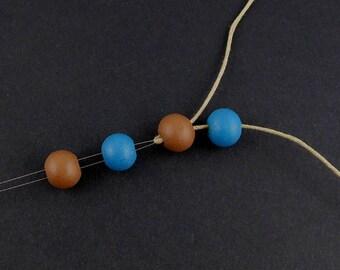 Hand strung bead 12.5 cm x 0.6 mm(12A)