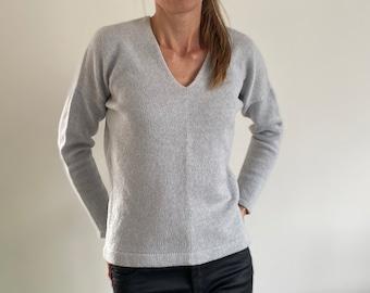 Cashmere pullover, cashmere jumper, lightweight cashmere sweater, cashmere knitwear, V neckline sweater, womans pullover, womans sweater