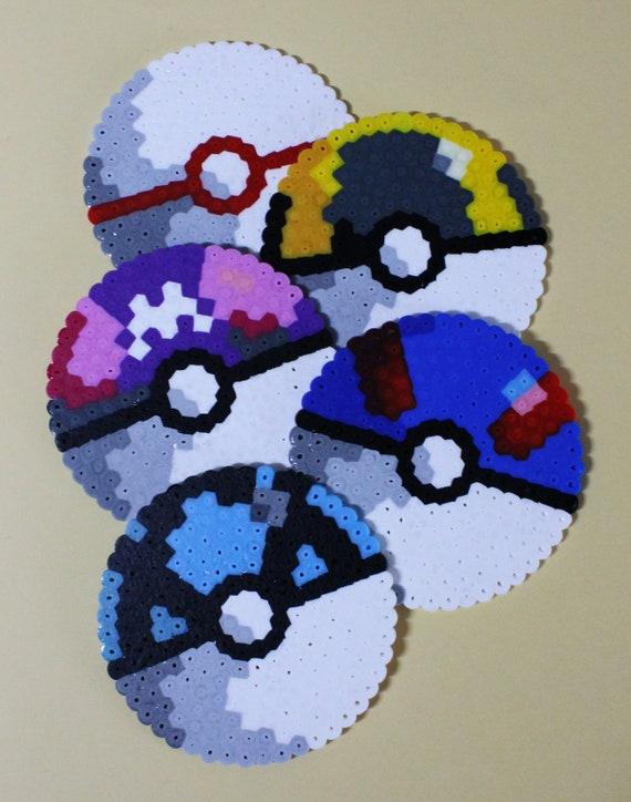Choisissez Votre Main Pixel Art Pokeball Sous Verres Dessins Originaux