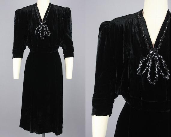 1940s Puff Shoulder Black Velvet Cocktail Dress |