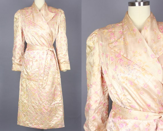 1940s QUILTED SATIN Robe | Vintage 40s Blush Pink