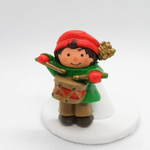 Christmas Drummer.Vintage Drummer Boy Christmas Pin Brooch Hallmark Winter Green Orange Hallmark Cards