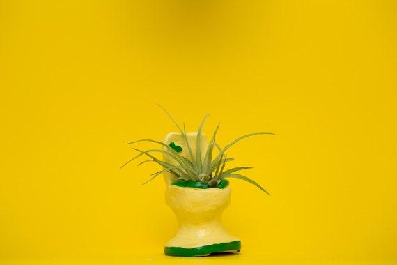 TOILET PLANTER / yellow - green