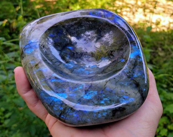 Large Blue Spectrolite Labradorite Keepsake Bowl / Ashtray / Soap Dish from the Ylamaa Quarries in Lappeenranta, Finland