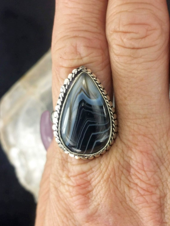Banded Agate Ring - Size 8 - 925 Silver